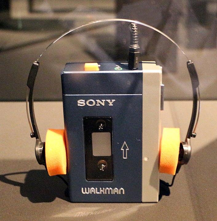706px-Sony,_walkman,_1979.jpg